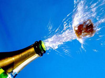 Dette billede har en tom ALT-egenskab (billedbeskrivelse). Filnavnet er Champagne.-1.jpg